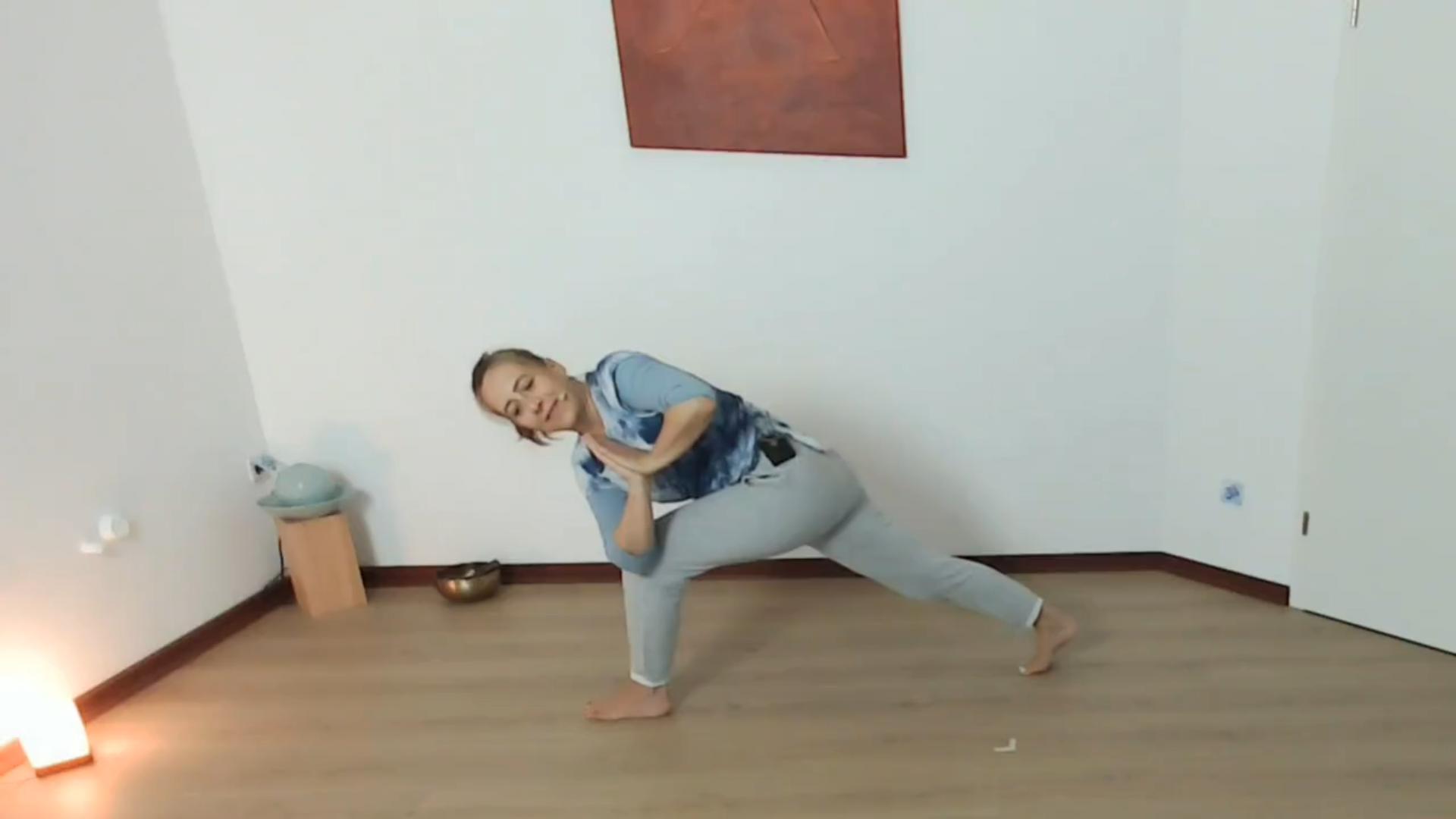 Yoga ohne Matte – einfach nur üben.